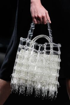 Paco Rabanne at Paris Fashion Week Fall 2018 - Details Runway Photos My Bags, Purses And Bags, Jewelry Accessories, Fashion Accessories, Beaded Bags, Bare Foot Sandals, Fashion Bags, Milan Fashion, Fashion Handbags