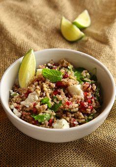 Couscous/quinoa met feta, granaatappel, pijnboompitjes, munt en koriander barefootstyling.com