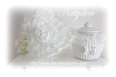 voici la gamme froufrou abat jour déhoussable  et lavable la pureté du blanc en vente sur http://www.natydecocorse.com