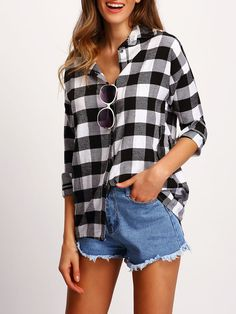 Preppy and Casual Gingham Shirt Regular Fit Collar Long Sleeve Black and White Longline Length Check Plaid Drop Shoulder Shirt Outfits Con Camisa, Outfits Mujer, Grey Blouse, Collar Blouse, Collar Top, Grey Long Sleeve Tops, Gingham Shirt, Casual Sweaters, Casual Chic