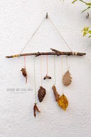 How fun is this mother nature mobile idea from Diari de Colors? Autumn Crafts, Fall Crafts For Kids, Nature Crafts, Diy And Crafts, Arts And Crafts, Diy Projects To Try, Craft Projects, Deco Nature, General Crafts