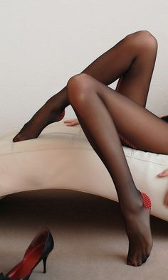 sexydiairy:  #SexyChic