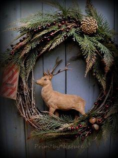 Primitive Reindeer Christmas Wreath Pine Cones Red Berries and Rusty Bells | eBay