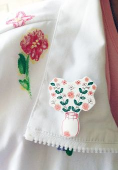 Floral Coral brooch