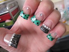 Duck feet inspired nails?  Must be a Jersey thing