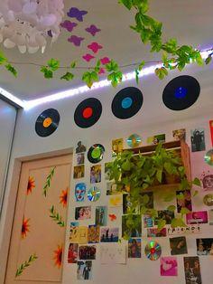 Cute Room Ideas, Cute Room Decor, Room Wall Decor, Indie Room Decor, Hippie Bedroom Decor, Bohemian Decor, Bohemian Style, Retro Room, Vintage Room