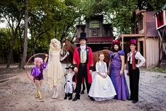 The best The Greatest Showman family group costume ever! Circus Halloween Costumes, Circus Costume, Homemade Halloween Costumes, Halloween Kids, Halloween Party, Circus Family Costume, Halloween Couples, Halloween 2017, Best Couples Costumes