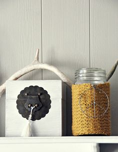 Mrs. Monday: DIY Turn knitted sweater into decorations around the house