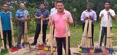 VISÃO NEWS GOSPEL: Pastores da Igreja Universal vendem vassouras ''un...