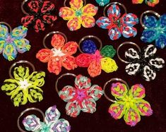 Rainbow Loom Keychain, Rainbow Loom Charms, Rainbow Loom Fishtail, Pineapple Keychain, Rubber Band Crafts, Dark Flowers, Loom Bands, Student Gifts, Pet Gifts