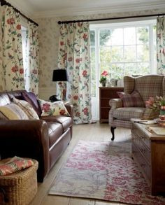 Neutral curtains for living room with brown sofa tips for 2019 Cottage Living Rooms, Cottage Interiors, New Living Room, Living Room Decor, Living Spaces, Country Furniture, Living Room Furniture, Room Interior, Interior Design