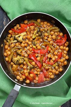 Sweet and Sour Chickpeas Peppers Broccoli - Vegan Richa - Sweet and Sour Chickpeas, Peppers, and Broccoli. Easy Weeknight One Pot Protein filled Meal. Chickpea Recipes Easy, Vegetarian Recipes, Healthy Recipes, Garbanzo Bean Recipes, Sin Gluten, Gluten Free, Vegan Bibimbap, Bowls, Paleo