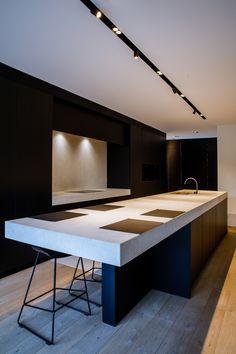 Kitchen Interior, Home Interior Design, Kitchen Design, Dream Home Design, Modern House Design, Open Plan Kitchen Dining Living, Minimalist Kitchen, Living Room Lighting, Interior Lighting