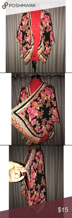Forever 21 cardigan Pre owned •forever 21 floral print cardigan •short sleeve cardigan •smoke free home •per free home •good condition •NO OUTSIDE TRANSACTIONS •NO TRADES •runs a little big it's more of a Small/Medium Forever 21 Sweaters Cardigans