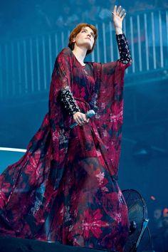 Florence Welch - HarpersBAZAAR.com