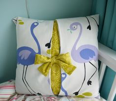 Bow Cushion Cover Sewing Guide by LillyBlossom on Etsy Modern Bed Pillows, Diy Pillows, Decorative Pillows, Throw Pillows, Bed Covers, Cushion Covers, Pillow Covers, Quilted Potholders, Cheap Chairs