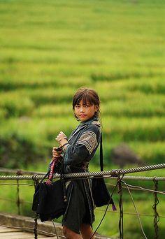 Return from school . Vietnam