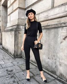 All black french girl outfit style outfit inspiration in 2019 стиль, наряды Moda Fashion, Fashion Models, Girl Fashion, Easy Style, Beret Outfit, French Outfit, French Chic Outfits, Outfits Damen, Winter Mode