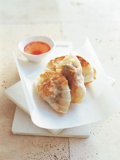 Donna Hay - Pork and Coriander Pot Stickers Pork Recipes, Gourmet Recipes, Dessert Recipes, Cooking Recipes, Recipies, Dinner Recipes, Healthy Recipes, Chicken Pot Stickers Recipe, Puff Pastry Recipes