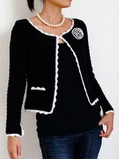 Crochet Cardigan - Jasmine is a classic Chanel inspired jacket, with a slightly boxy form, fitted sleeves, and contrasting scallop trim around the edges. The placket opening of the sleeves is also trimmed Crochet Bolero, Pull Crochet, Gilet Crochet, Crochet Coat, Crochet Jacket, Crochet Cardigan, Crochet Clothes, Ravelry Crochet, Crochet Granny