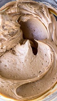 UPDATE: not a fan *****Milk Chocolate Buttercream Frosting ~ Creamy. The best milk chocolate buttercream frosting recipe you will even need! Cupcake Recipes, Baking Recipes, Cupcake Cakes, Cupcake Frosting, Cake Icing, Buttercreme Frosting, Best Chocolate Buttercream Frosting, Cookie Frosting Recipe, Gourmet Cupcakes