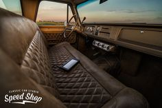 Diamond pattern leather insert on a leather upholstered bench seat in a Chevy Pic 1 Best Car Interior, Custom Car Interior, Truck Interior, Interior Trim, Brown Interior, Interior Ideas, Car Interior Upholstery, Automotive Upholstery, Custom Car Paint Jobs