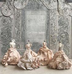 Ballerina paper dolls dancing their way into the new year Paper Dress Art, Paper Art, Paper Crafts, Paper Dresses, Paper Clothes, Paper Dolls Shoes, Paper Dolls Book, Toy Theatre, Ballet Art