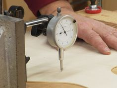 Luthier Tools - Dial indicator for measuring thickness of guitar tops