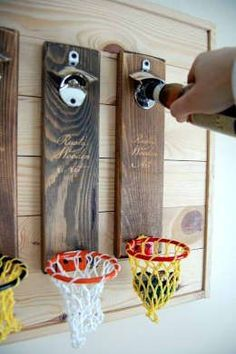 Easy Carpentry Projects - Bieröffner mit Fangkorb Easy Carpentry Projects - Get A Lifetime Of Project Ideas and Inspiration! Cool Woodworking Projects, Woodworking Projects Diy, Popular Woodworking, Woodworking Furniture, Diy Wood Projects, Woodworking Plans, Wood Crafts, Woodworking Jigsaw, Woodworking Classes