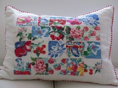 birdie blue: Vintage tablecloth patchwork to Pillow