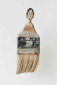 Eine unglaubliche Verwandlung  Die Rundungen eines Flachpinsels haben einen femininen Touch, nicht wahr? Für Rebecca Szeto, einer US-amerikanischen Künstlerin aus San-Francisco,...