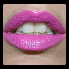 SLEEK True Colour Sheen Lipstick in Fuchsia | LUUUX