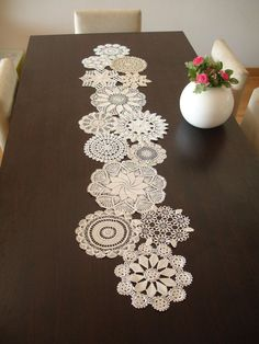 Dekoration Hochzeit – Vintage Doily Runner Wedding Table Decoration by WHITESt… Decoration by Wedding – Vintage Doily Runner Wedding Table Decoration by WHITEStardust Doilies Crafts, Crochet Doilies, Wedding Table Deco, Wedding Decoration, Doily Art, Diy And Crafts, Arts And Crafts, Invisible Stitch, Crochet Table Runner