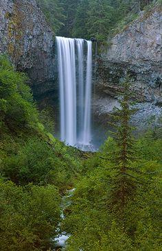 Tamanawas Falls | Travel Oregon