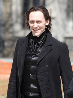 Tom Hiddleston seen dressed in costume while filming scenes for the new horror movie 'Crimson Peak' in Toronto on April 16, 2014 [HQ]