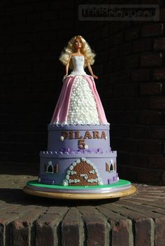 Fondant Tutorials #1: Barbie Doll Dress Cake Tutorial - by Barbara Hoogendoorn | Taart Nouveau @ CakesDecor.com - cake decorating website