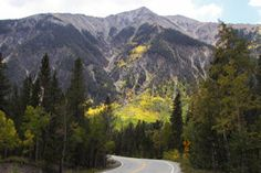 Independence Pass, which links Twin Lakes and Aspen, Colorado, is part of the Top of the Rockies Scenic & Historic Byway. Twin Lakes Colorado, Colorado Homes, Aspen Colorado, Colorado Rockies, Leadville Colorado, Scenic Photography, Photography Tips, Mountain Vacations, The Mountains Are Calling