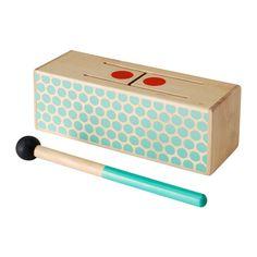 IKEA - LATTJO, Tambour à fente, Jouer avec des instruments à percussion permet à l'enfant de développer son sens du rythme et d'améliorer sa coordination main-œil.
