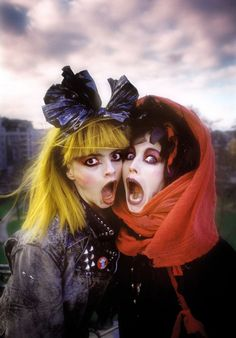 Nina Hagen and Lene Lovich, London, Photographed by Derek Ridgers for the NME. Nina Hagen, Punk Girls, Rock And Roll, Dark Wave, 70s Punk, Riot Grrrl, Women In Music, New Romantics, The New Wave