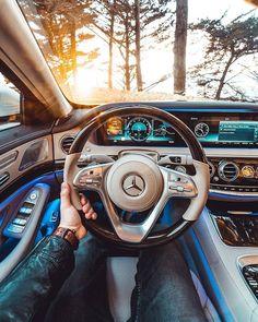 Mercedes or Porsche 😍 _______________________ Phot Luxury Boat, Best Luxury Cars, Luxury Travel, Car Travel, Luxury Yachts, Mercedes S Class Interior, Bmw Interior, Luxury Interior, Luxury Decor