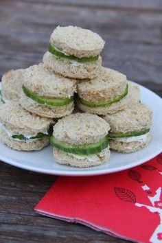 Cucumber-Boursin Tea Sandwiches, from Undercover Caterer. Cucumber Tea Sandwiches, Tea Party Sandwiches, Finger Sandwiches, Rolled Sandwiches, Appetizers For Party, Appetizer Recipes, Tea Recipes, Cooking Recipes, Picnic Recipes