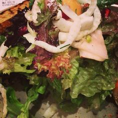 Healthy dinner salad photo by @glitterfulfelt on Twitter