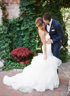 Beautiful: http://www.stylemepretty.com/2015/04/01/romantic-new-orleans-wedding-filled-with-old-world-charm/ | Photography: Megan W - http://www.megan-w.com/