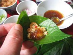 Voici une petite entrée, ou apéritif thaï que j'ai découvert il n'y a pas très longtemps, mais qui est juste un délice....Tout d'abord il... Voici, Breakfast, Thai Food Recipes, Asian Recipes, World, Morning Breakfast