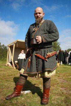 Lofoten - inspiration for Steve's garb Viking Warrior, Viking Garb, Viking Reenactment, Viking Men, Viking Dress, Medieval Costume, Viking Costume Diy Mens, Norse Clothing, Medieval Clothing