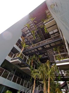 hotel jean nouvel barcelona   05-Vertical-garden-of-Renaissance-Barcelona-Fira-Hotel-by-Jean-Nouvel