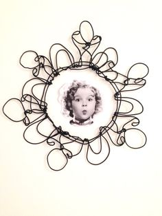 Items similar to Wire art frame: Round wire picture frame, wire sculpture, poetic gift, collectible artwork, contemporary art on Etsy Wire Art Sculpture, Soft Sculpture, Abstract Sculpture, Metal Sculptures, Bronze Sculpture, Frame Crafts, Wire Crafts, Metal Crafts, Diy And Crafts