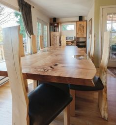 The dining-room table was made for a well-heeled client. But the man withdrew the order in so John kept it. Edge Design, Dining Room Table, Beautiful Homes, Living Room, Live, House, Furniture, Home Decor, House Of Beauty