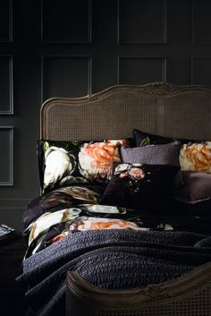flowers on black #bed Little Miss Homes: Interiors Inspiration