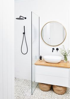 Tour Natalie Fitch's Elegant and Minimal Home – Bed Threads Bathroom Cupboards, Laundry In Bathroom, Shiplap Bathroom, Ikea Bathroom, Tiny Bathrooms, Bathroom Plants, Budget Bathroom, Bathroom Furniture, Master Bathrooms